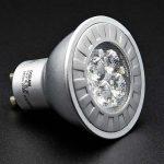 LEDs-vs-regular-light-bulbs